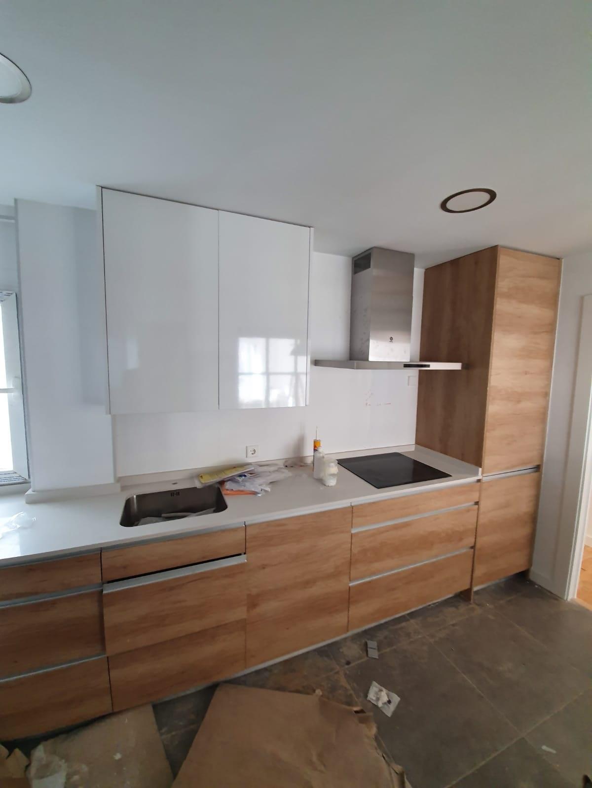 Muebles de ¿Que determina el diseño de cocinas pequeñas?